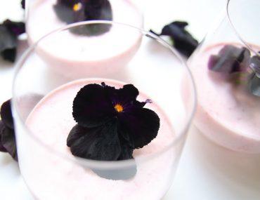 Lactosevrije aardbeien baverois - Beter door Eten