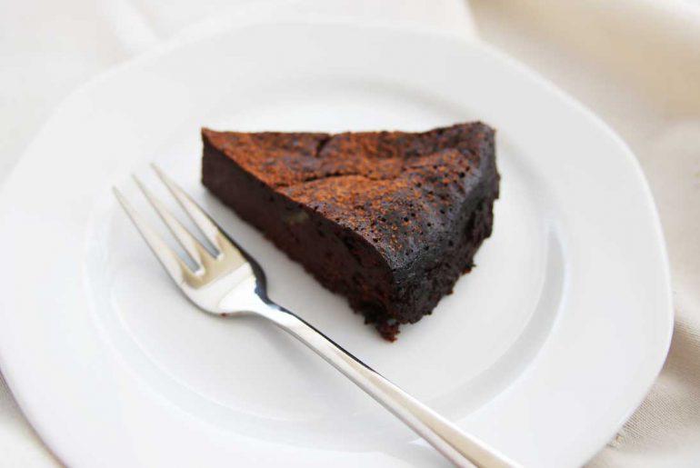 Chocoladetaart met walnoten - Beter door Eten