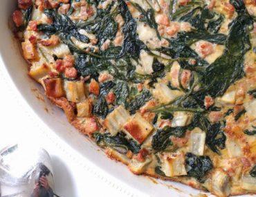 Frittata van zoete aardappel met spinazie en spekjes - Beter door Eten