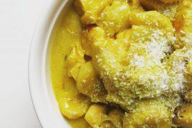 Kip kerrie met witlof en banaan - Beter door Eten