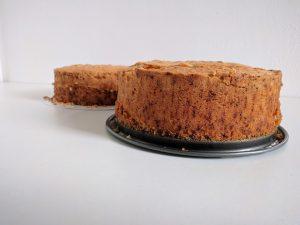 Stap 1: bak twee cake's in een springvorm
